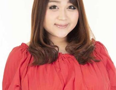 りんごちゃんの口紅と化粧は浜崎あゆみを意識してる?リップメイクや口紅色も可愛い!私服の画像も