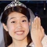【横澤夏子】お腹ポッコリ画像?婚活で旦那と赤ちゃんゲット!アポロン山崎さんの占いが当たる