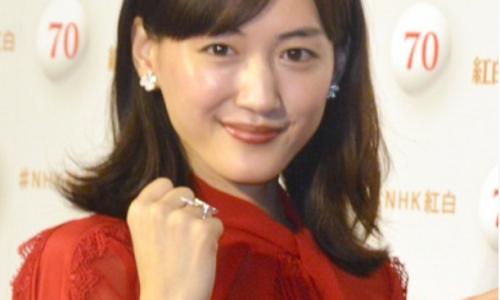 【2019年紅白】綾瀬はるかの赤いドレス衣装のブランドはどこ?価格は?歴代画像もご紹介