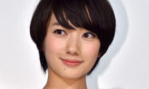 【2021最新】波瑠の歴代彼氏は12人!現在は斎藤雅弘と熱愛中?画像